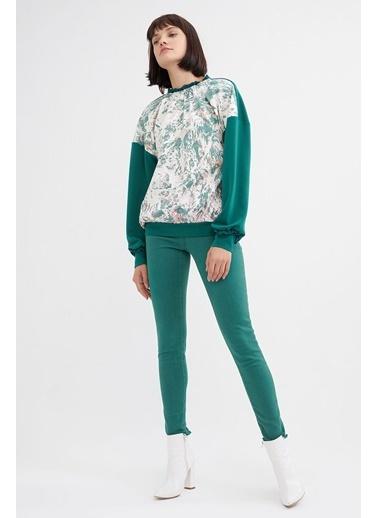BGN Zümrüt - Yakası Fırfırlı Desenli Sweatshirt Yeşil